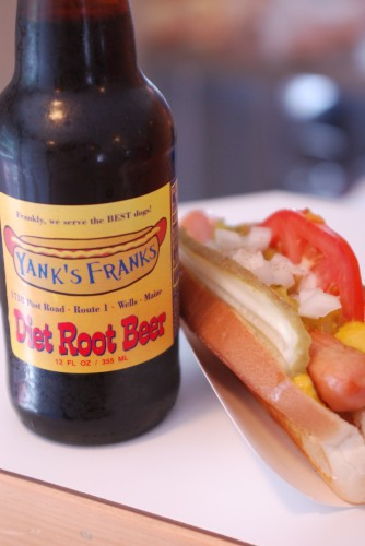 Lunch at Yank's Franks - A Diet Root Beer and a Yank's Dog