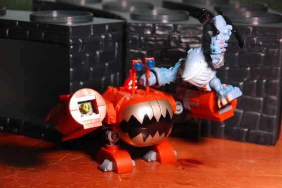 Thumpback attacking the Chompy Bot