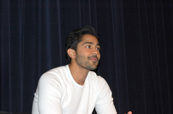 Manish Dayal interviewed by Bloggers