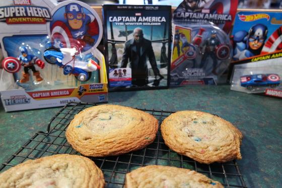 Making Captain America's Deconstructed S.H.I.E.L.D. M&Ms Cookies Ice Cream Sandwiches - #HeroesEatMMs #CBias #CollectiveBias #Shop