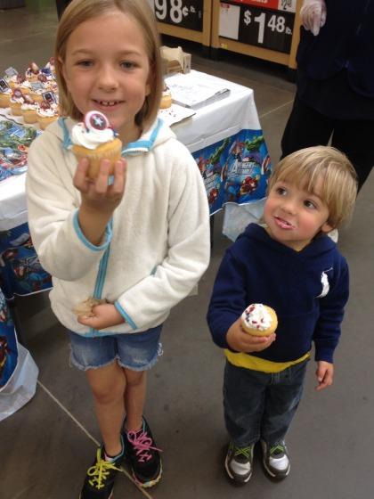 Walmart Retailtainment Event - Super Heroes Cupcakes - #HeroesEatMMs #CBias #CollectiveBias #Shop