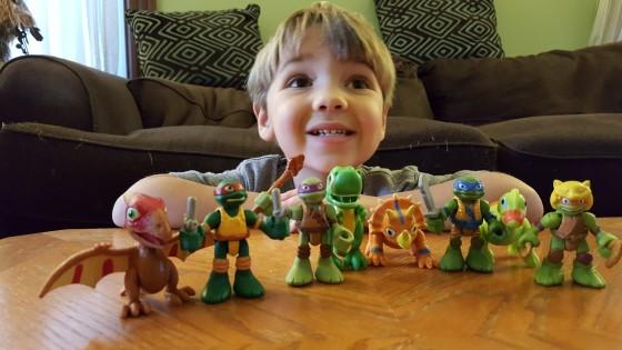 Teenage Mutant Ninja Turtles Half-Sell Heroes and Dinos