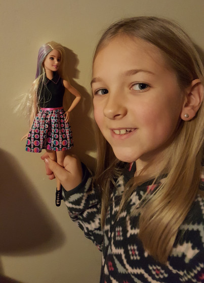 Eva's new Barbie with Hair Coloring