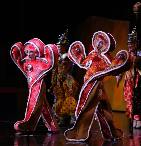 Cirque Dreams Holidaze - Gingerbread Cookies