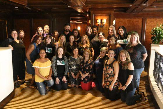 Karl Urban With the Thor Ragnarok Bloggers